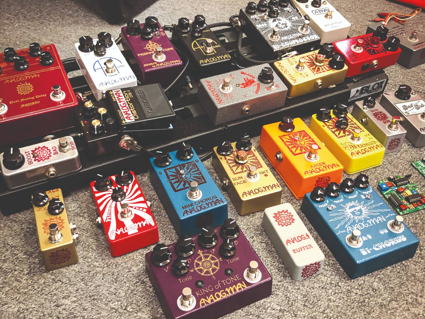 analog man pedals