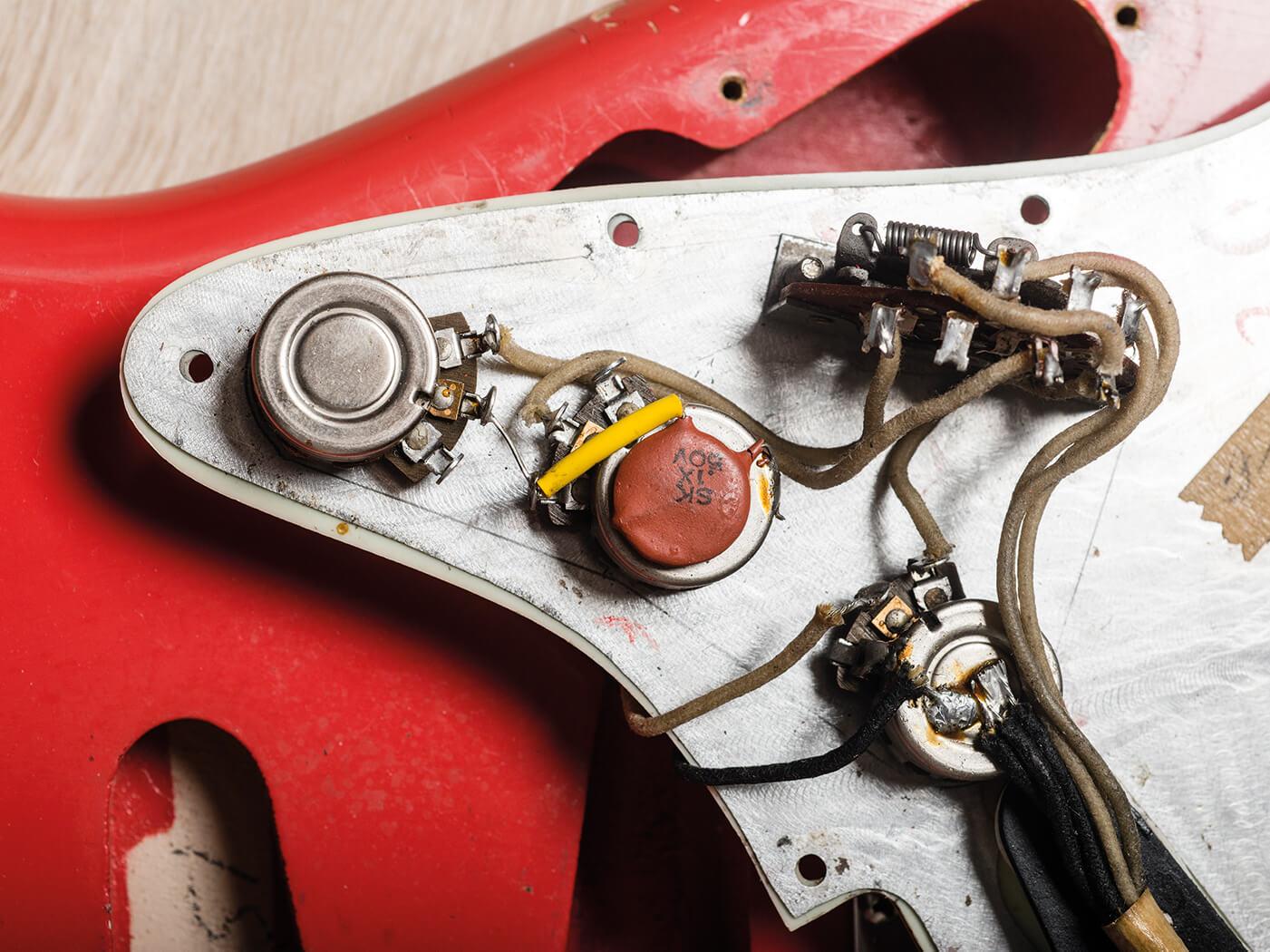 Fender Pre-CBS Fiesta Red Strat internals