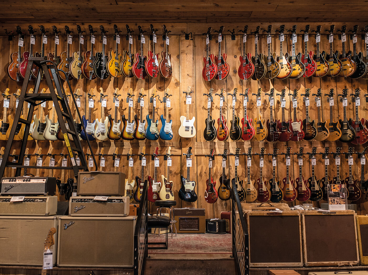 rare fenders and gibsons from guitar center hollywood 39 s overhauled vintage guitar department. Black Bedroom Furniture Sets. Home Design Ideas