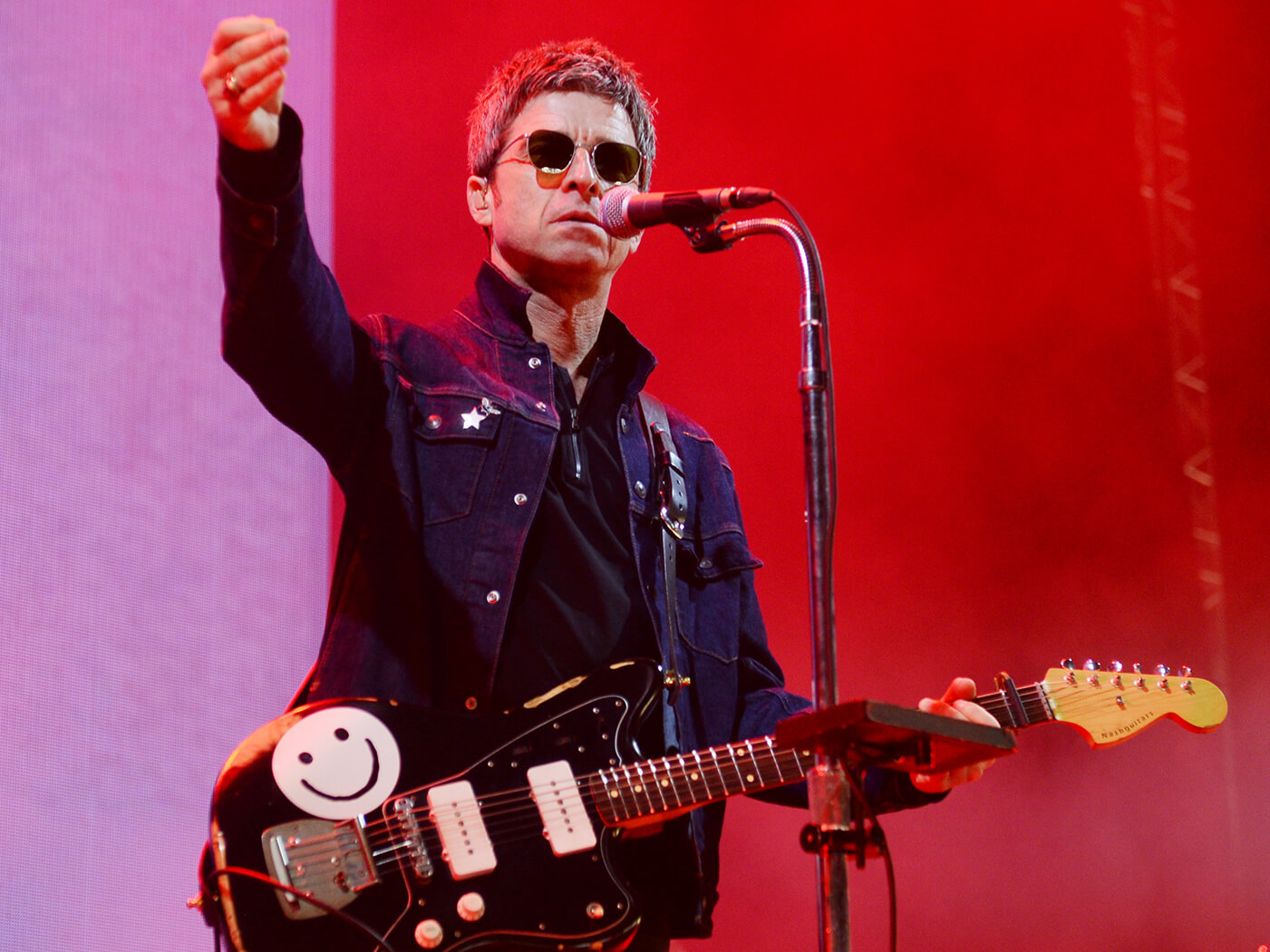 Noel Gallagher Jazzmaster.Listen To New Noel Gallagher S High Flying Birds Single