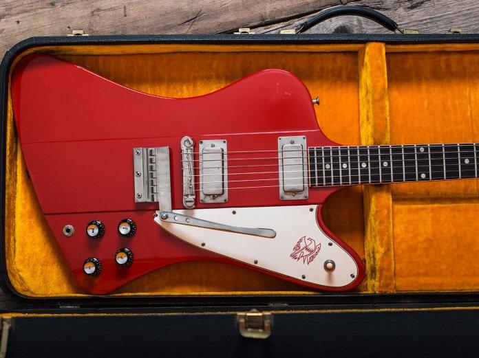 Gibson 1964 Firebird III red in case landscape