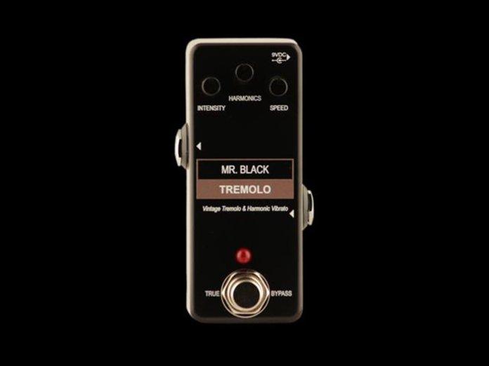 Mr Black mini tremolo