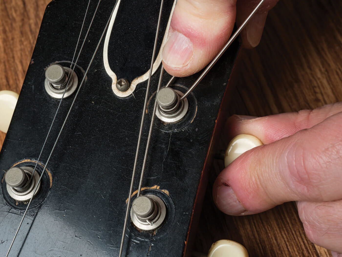 Restring bigsby tuning machines