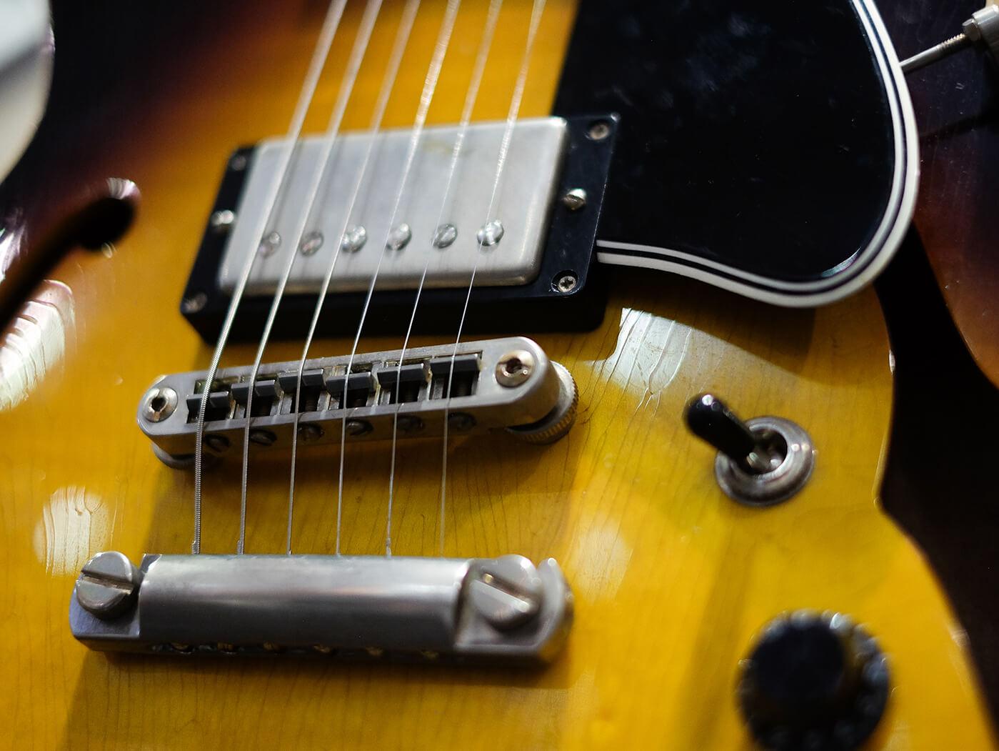 heritage guitars artisan aged h-535