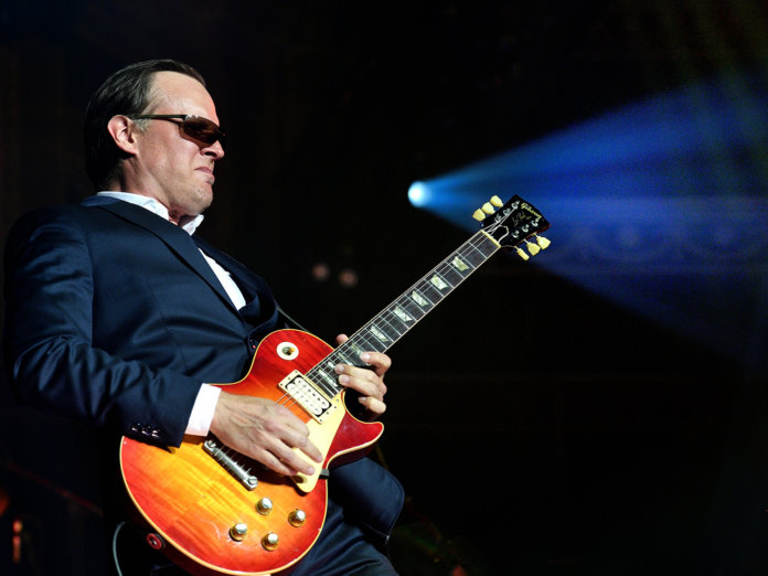 Joe Bonamassa playing a Gibson Les Paul.
