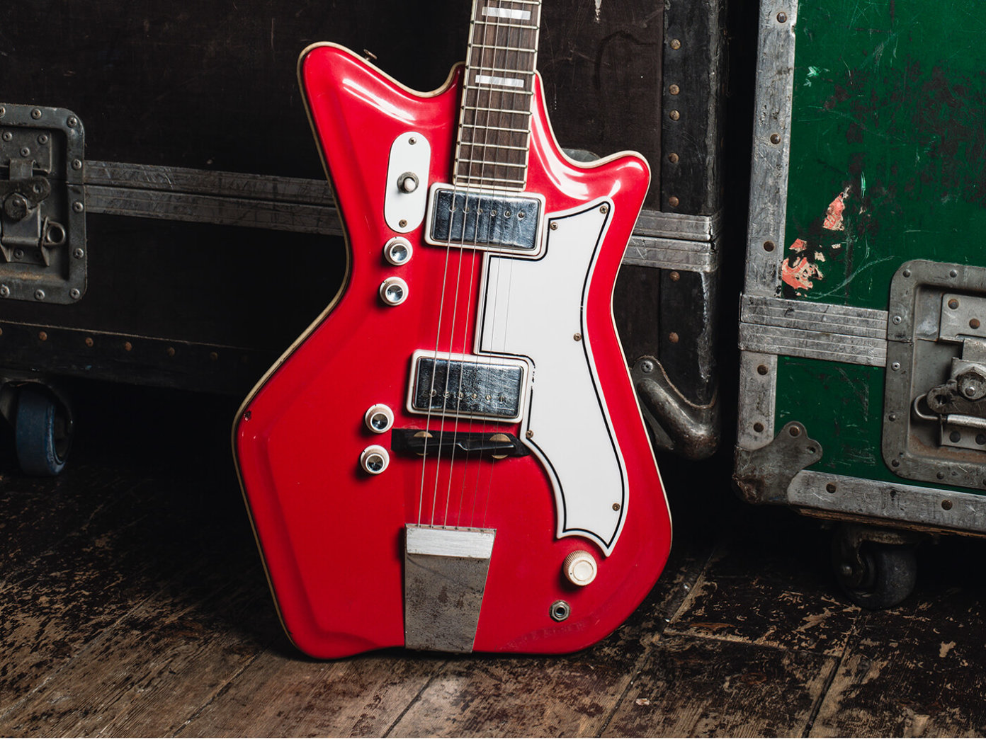 Guitares électriques - Page 12 Rory_national_airline_1@1400x1050-1392x1044