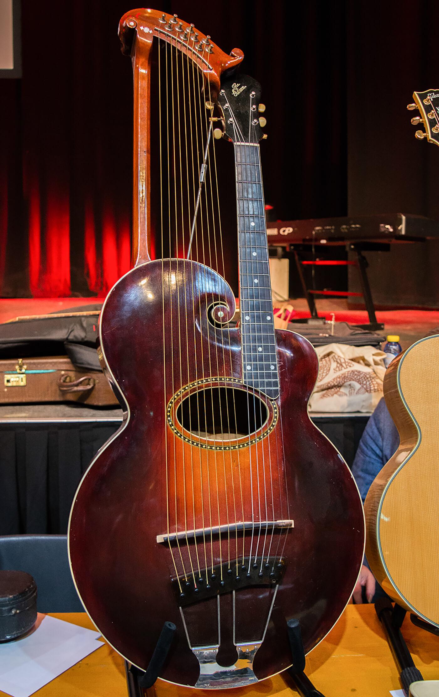 Gibson Harp Guitar