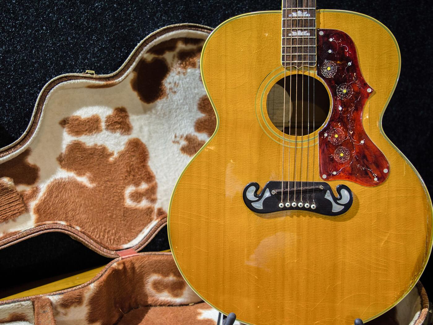 Gibson J200 w Custom Cowboy Case