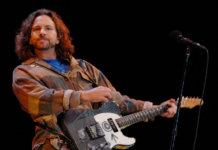 Pearl Jam's Eddie Vedder performing at Reading 2015