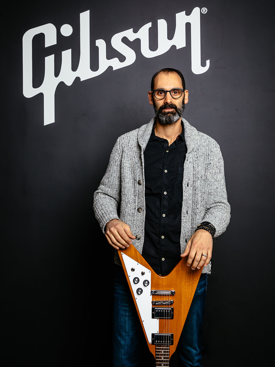 Cesar Gueikian (with Flying V)