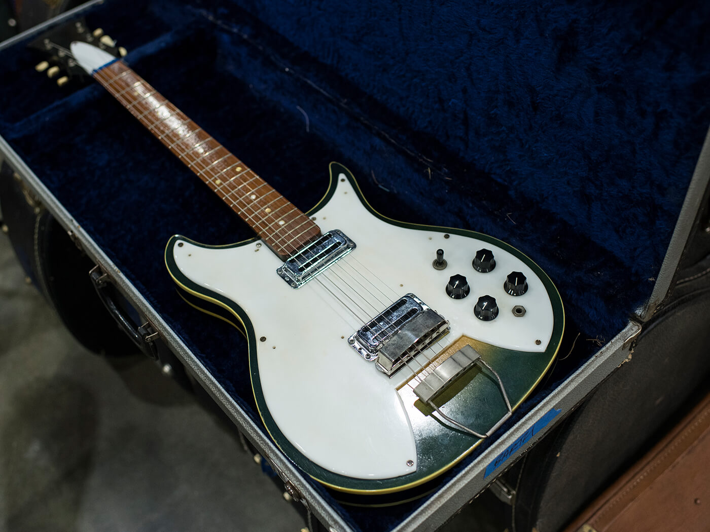 Rickenbacker-esque guitar that was made by Paul Barth