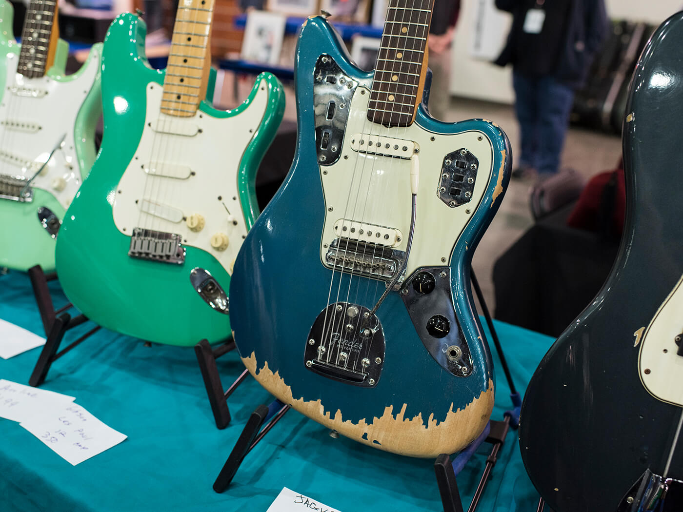 Fender Jaguar in Lake Placid Blue