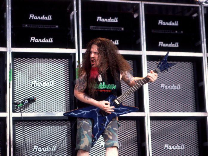 Dimebag Darrel playing the 'Dean From Hell'