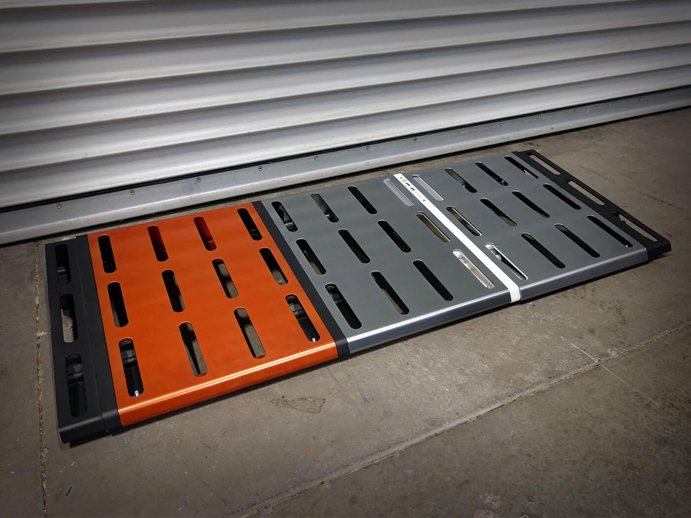 The three-LYNK pedalboard.