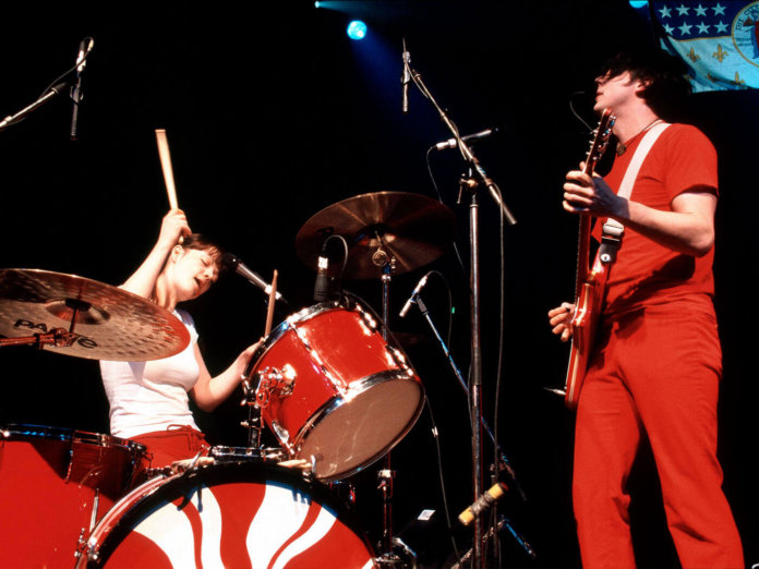 The White Stripes performing in 2001