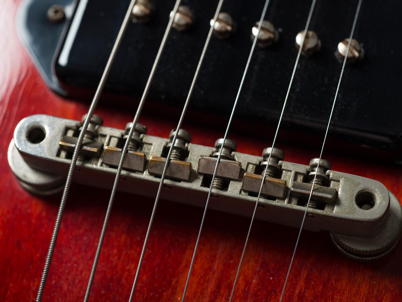 GM380 Money Shot Gibson ES 330 (Bridge)