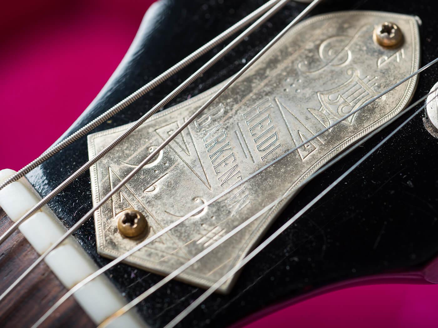 GM380 Money Shot Gibson ES 330 (Headstock)