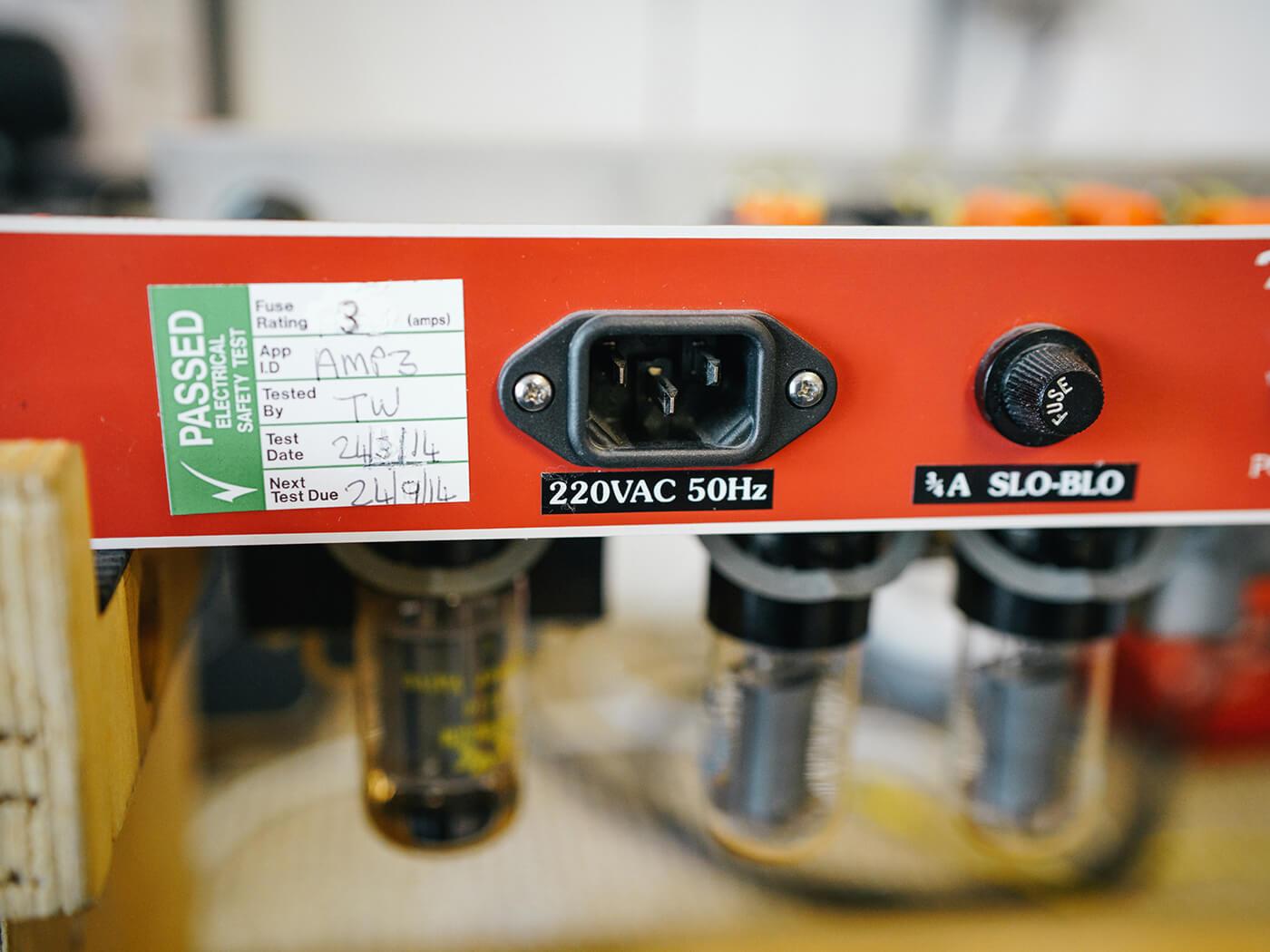GM 380 Amp FAQ Imperial Tone King (Power)