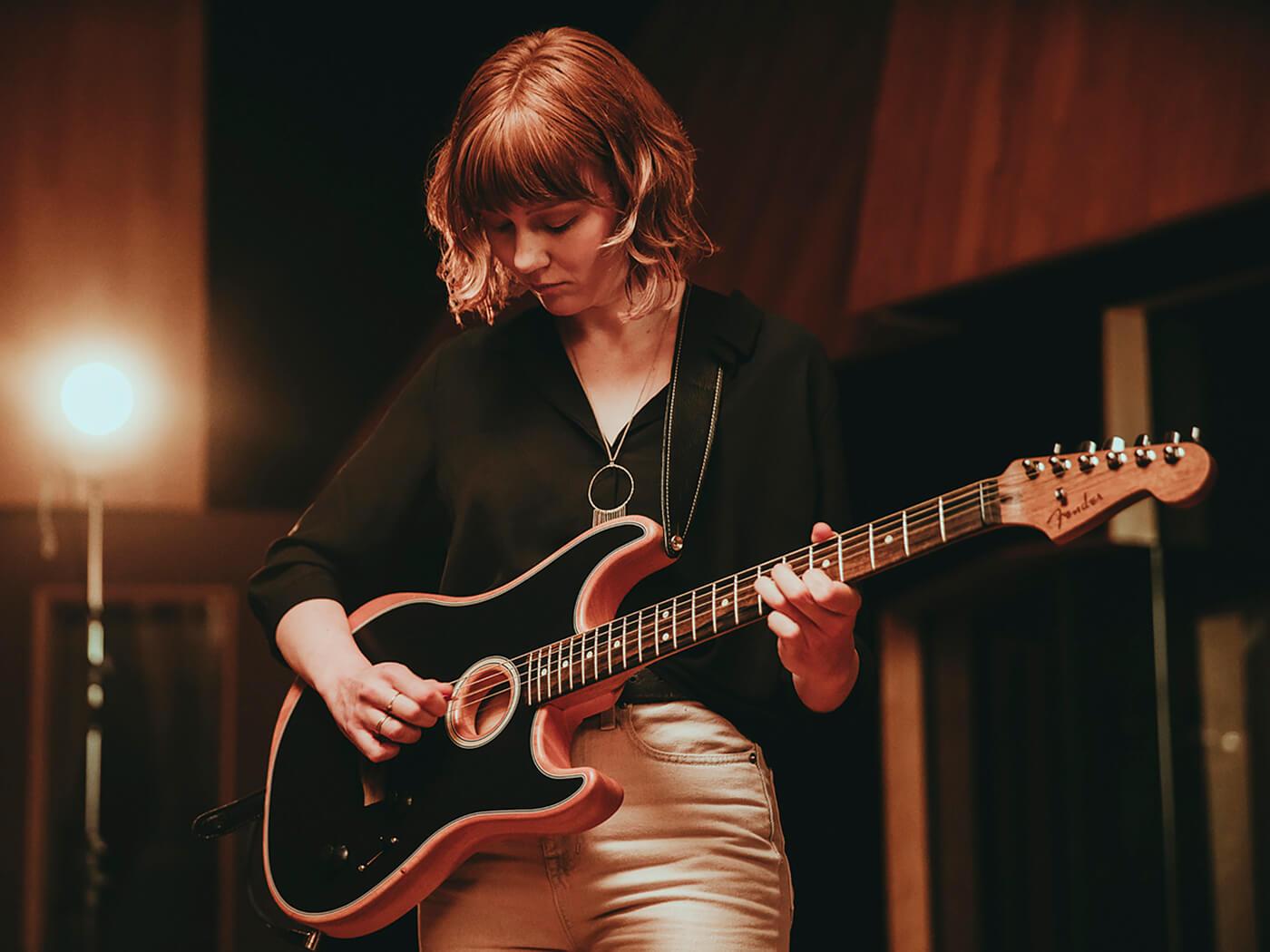 Molly Tuttle w Fender American Acoustasonic Stratocaster