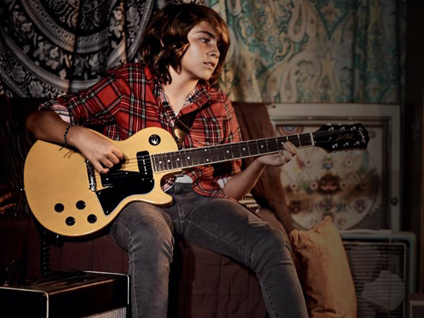 15 Websites To Learn Electric Guitar Lessons Online (Free And Paid) - CMUSE