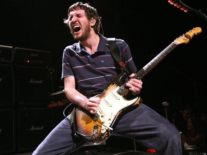 John Frusciante performing