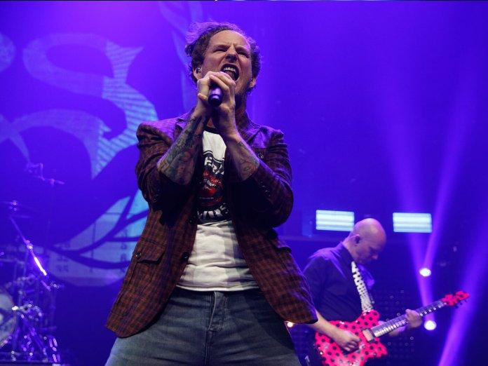 Corey taylor onstage