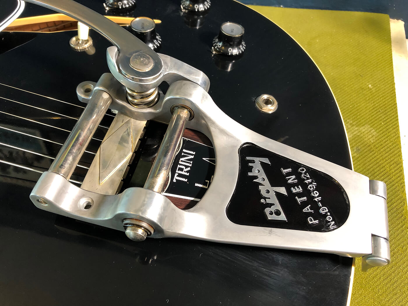 How to age your bigsby tailpiece 19
