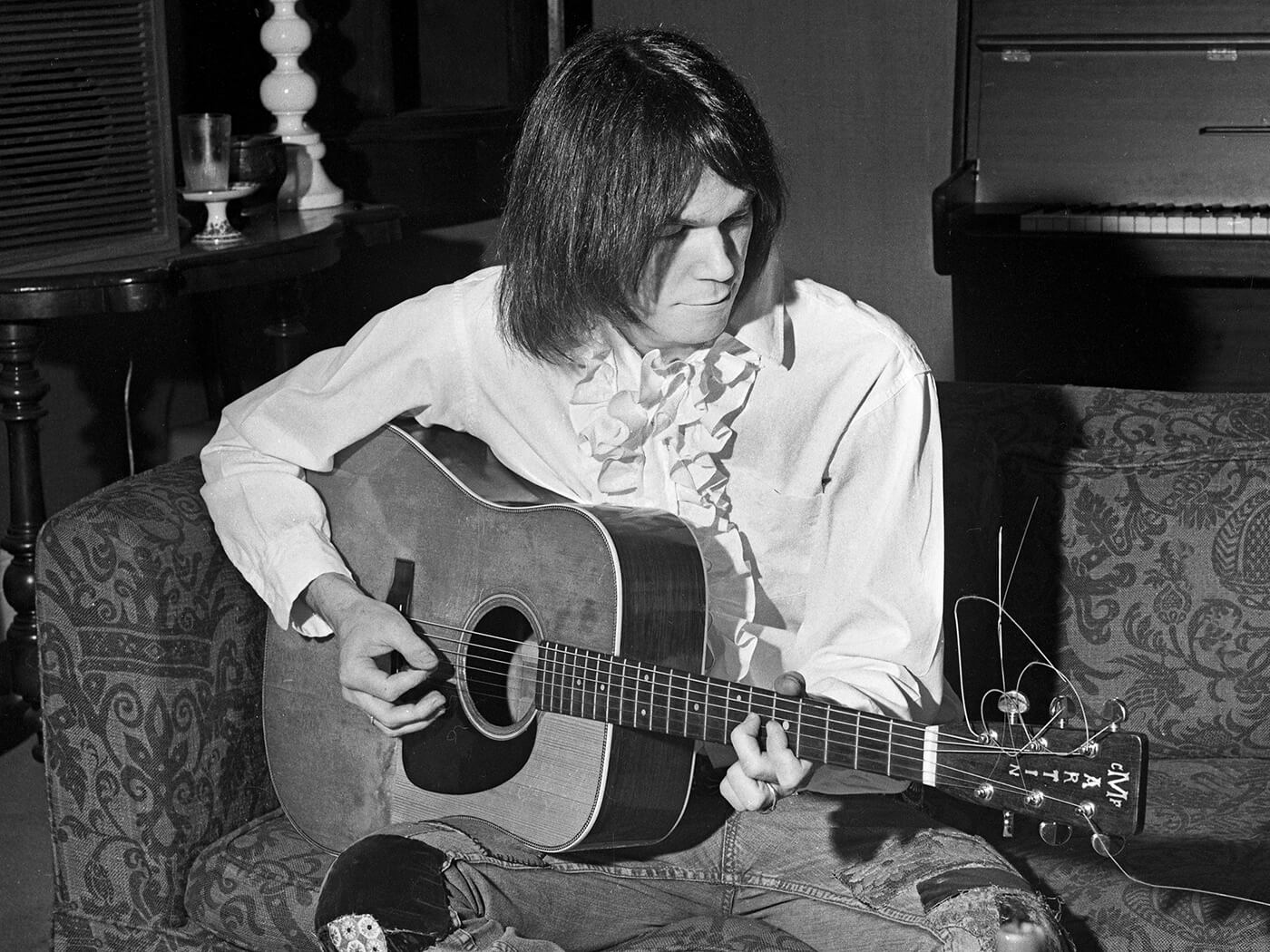Chord Clinic: How to play chords like Neil Young (Part 1)