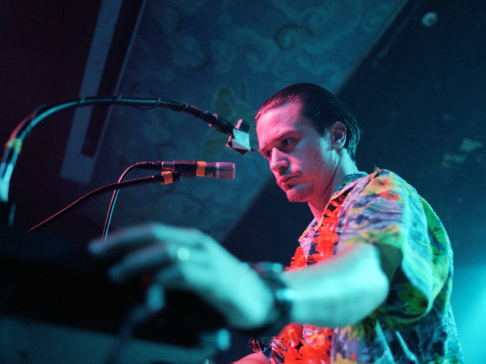 Mike Patton live with Mr bungle