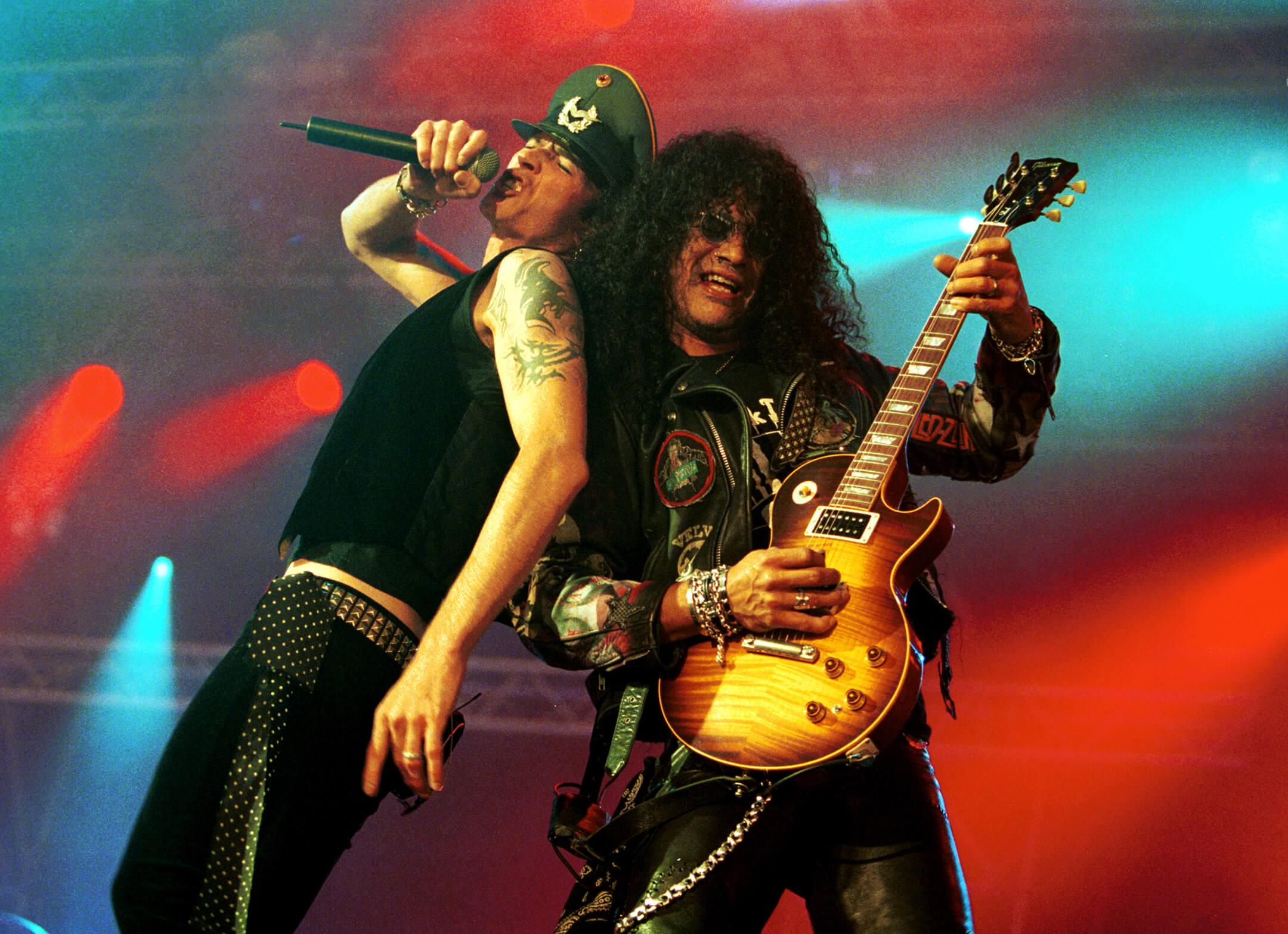Slash w Velvet Revolver