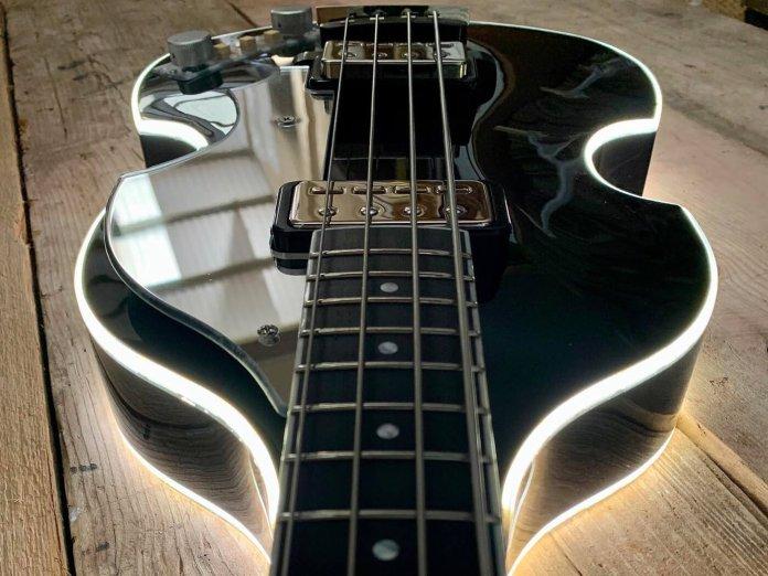 Manson Violin Bass LED
