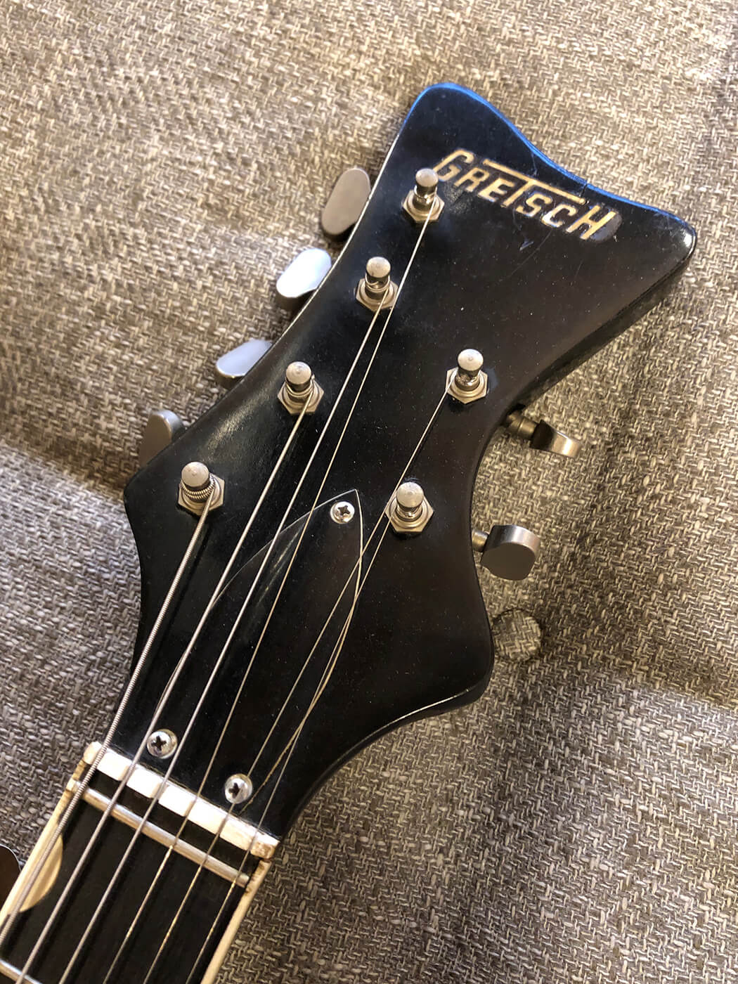 Veronica Mars Fact Check Gretsch Astro Jet Headstock