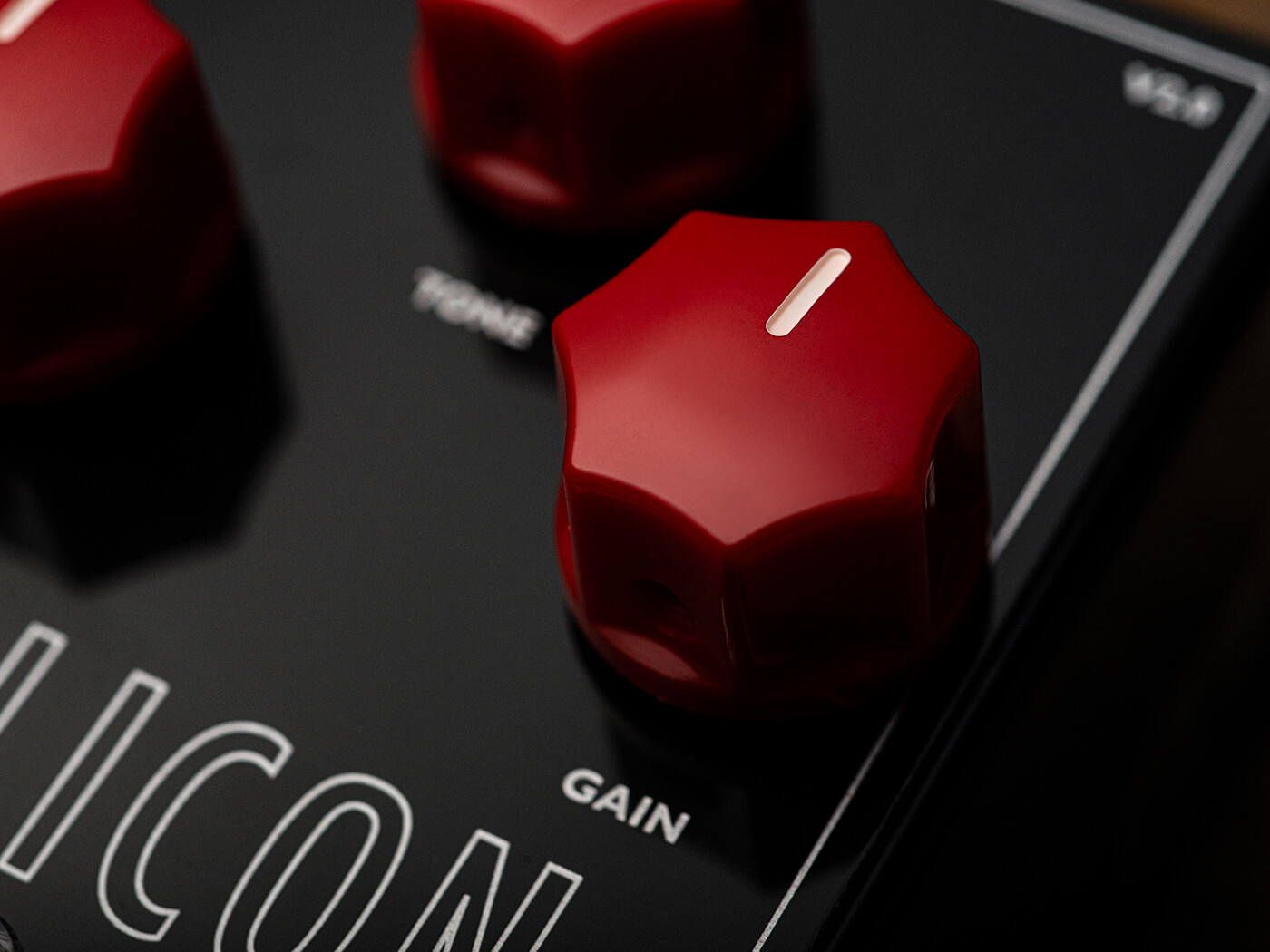 Echoline Silicon Hi-Gain Fuzz Controls
