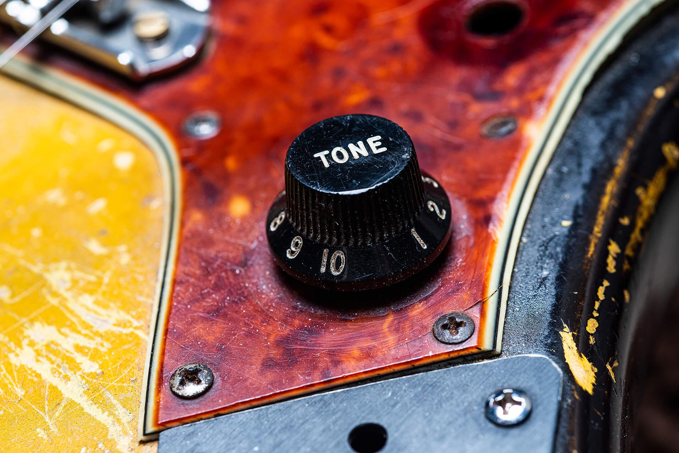 Thurston Moore's Fender Pre CBS JazzmasterI Knob
