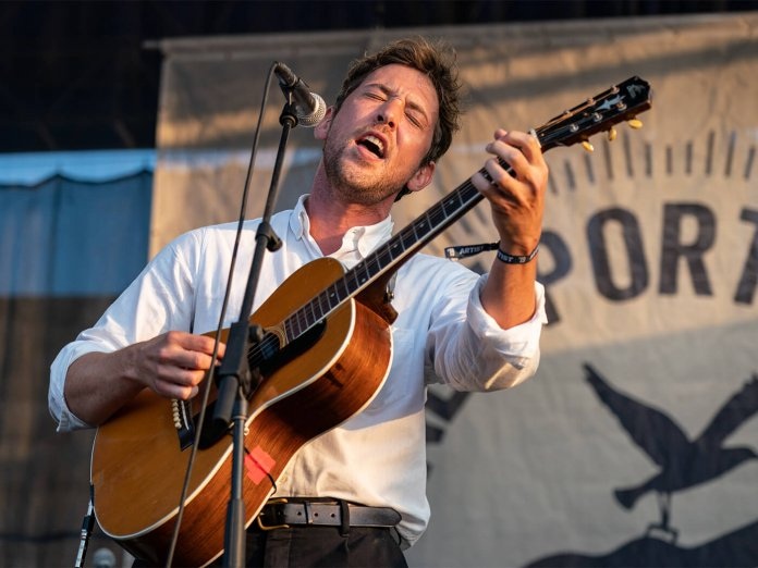 Robin Pecknold onstage