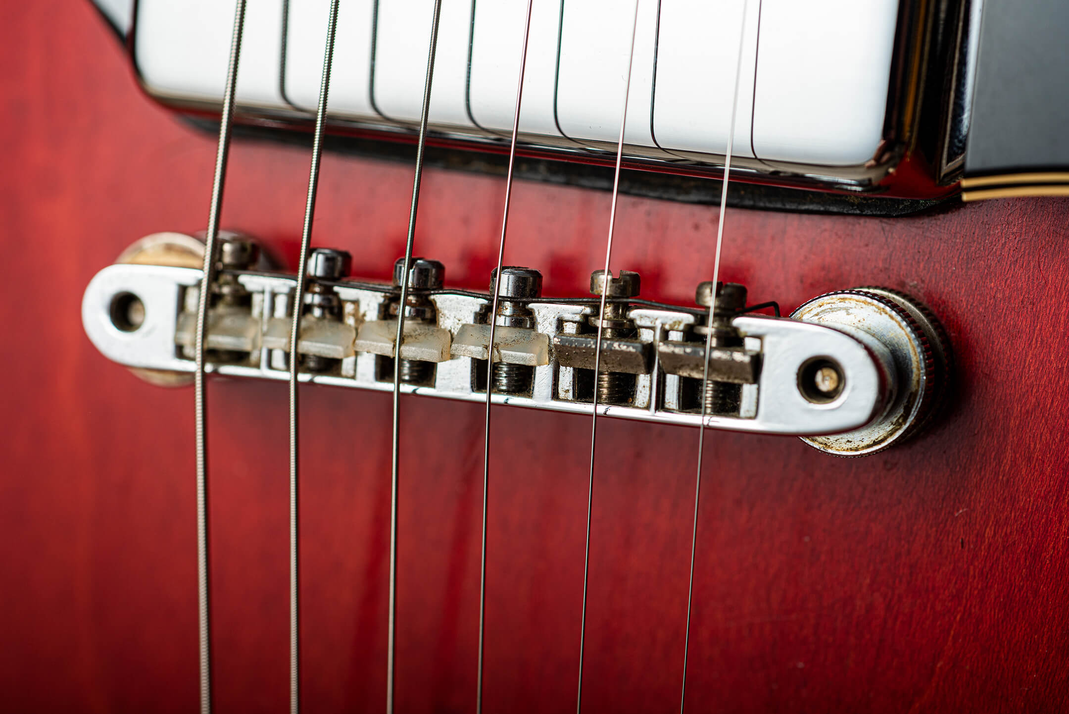 Vintage Bench Test: Gibson 1969 Es-330 'Long Neck' Bridge
