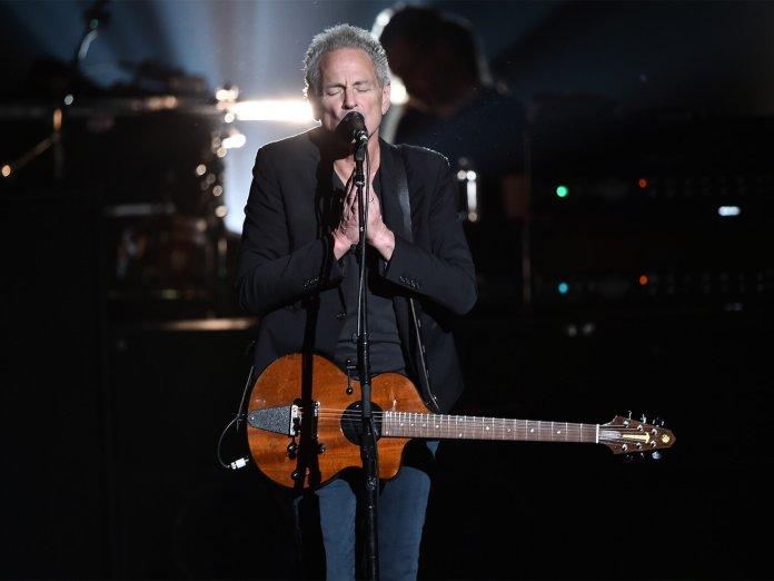 Lindsey Buckingham onstage