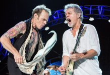 David Lee Roth and Eddie Van Halen onstage