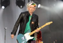Keith Richards onstage