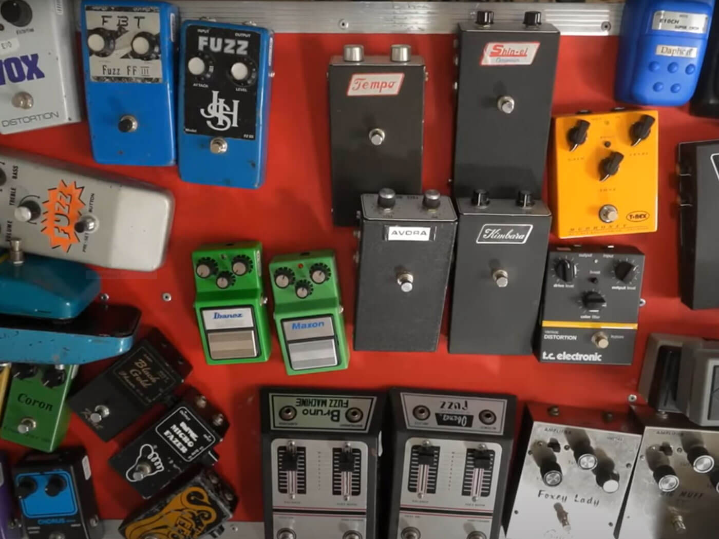 JHS Pedals' Private Label Table.