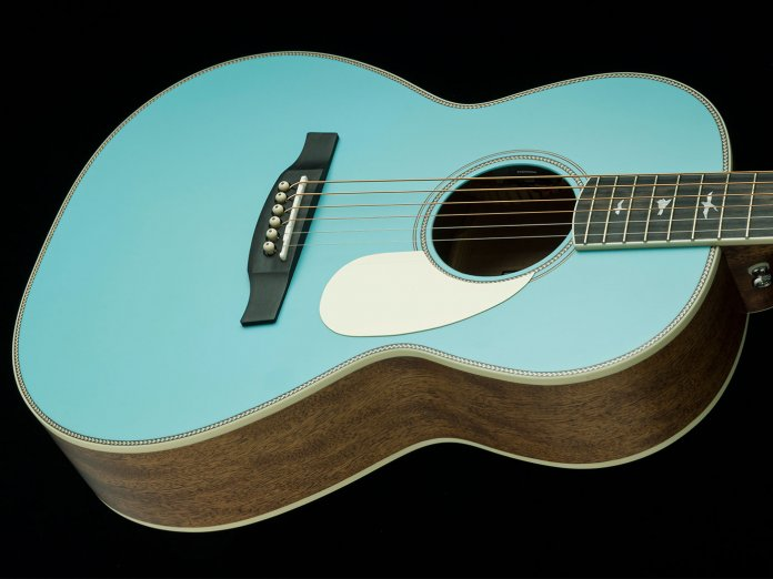 The PRS SE P20E in Powder Blue
