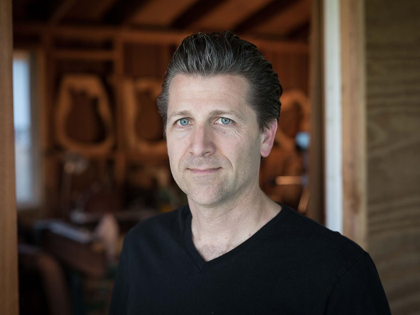 Barry Grzebik of Grez Guitars