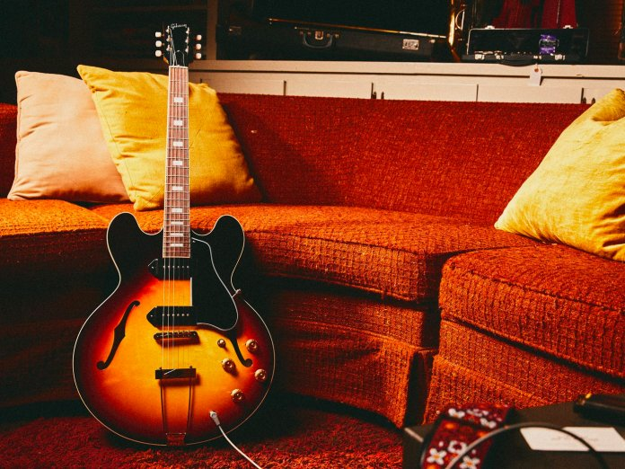 Gibson Slim Harpo ES-330