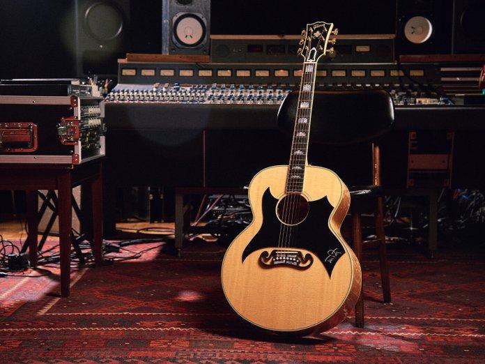 Gibson Tom. Petty SJ-200 Wildflower
