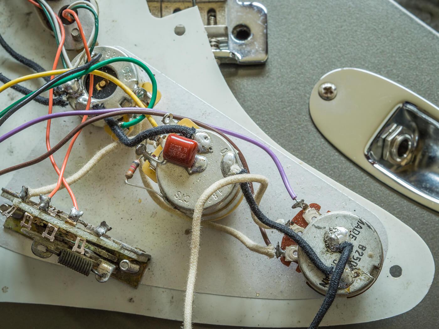 Eric Clapton's Stratocaster Restoration 1