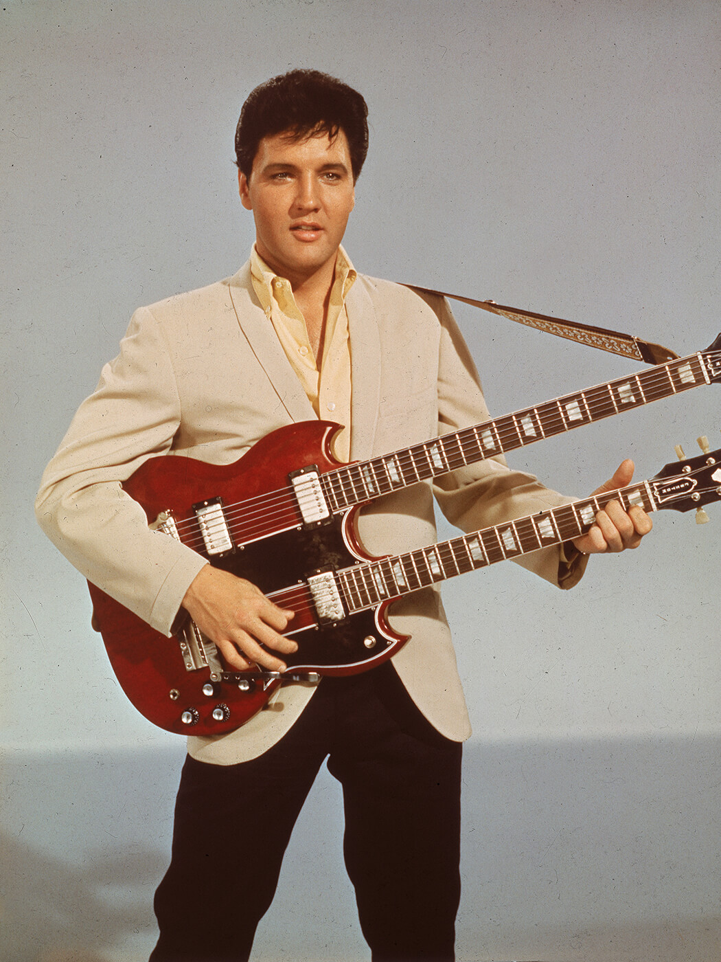 Elvis with the EBS 1250 in 1965