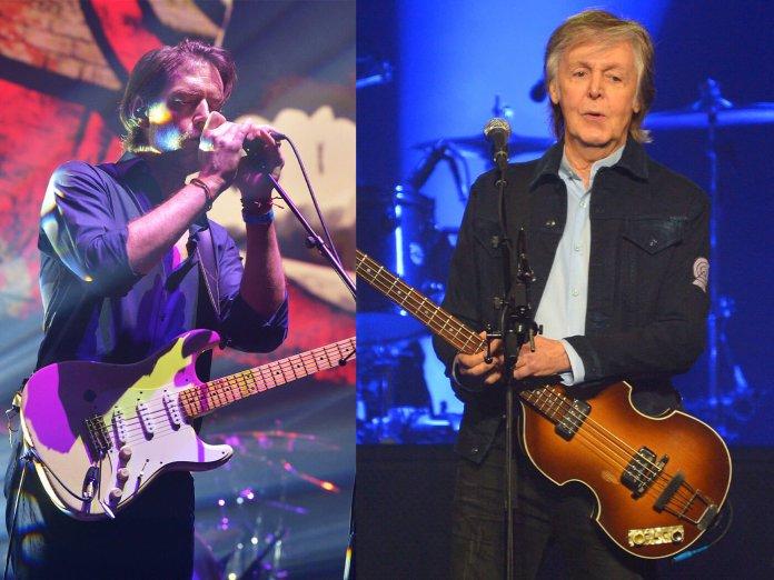 Ed O'Brien and Paul McCartney