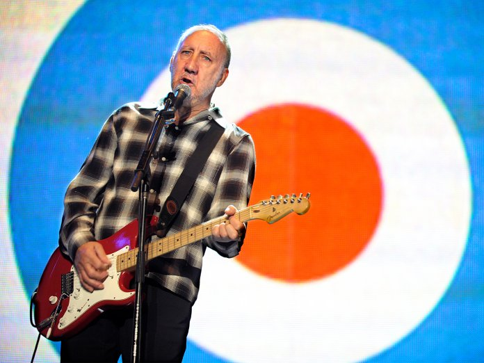 Pete Townshend onstage