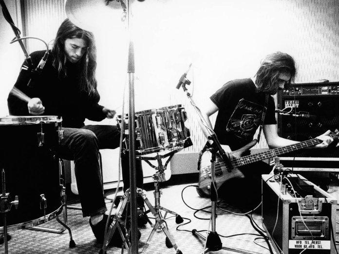 Dave Grohl and Krist Novoselic in studio