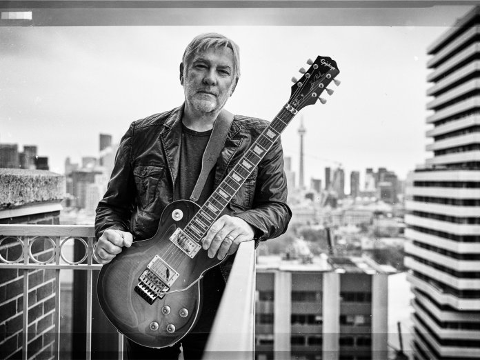 Alex Lifeson with Epiphone Les Paul Axcess Standard